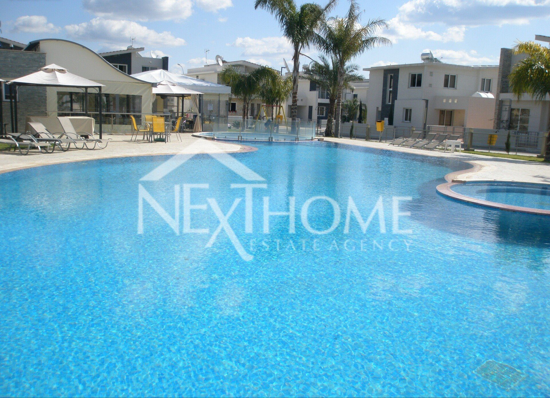 3 bedroom house for rent with sw pool in Pyla, Larnaca